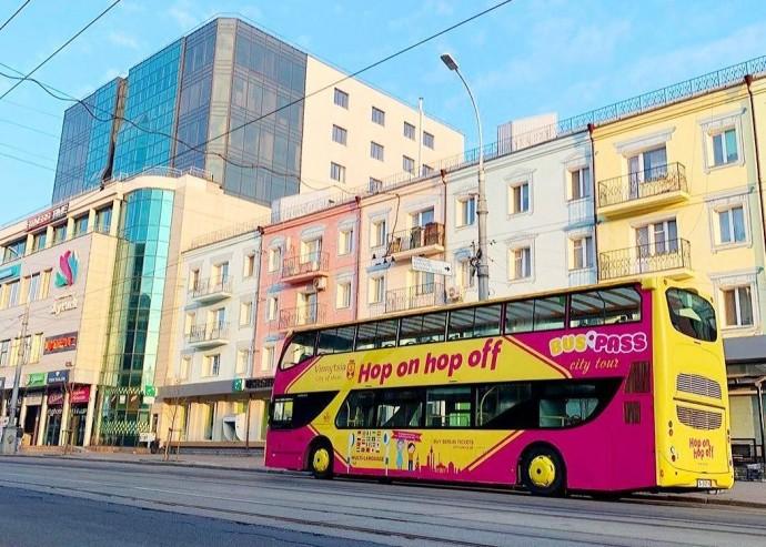 У Вінниці курсуватиме двоповерховий екскурсійний автобус-кабріолет BusPass (Фото)