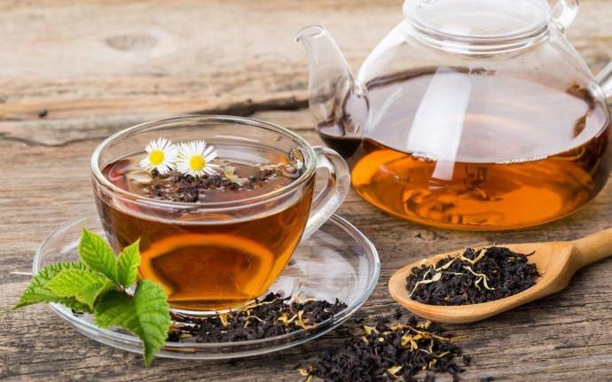 Вчені розповіли, коли краще уникати вживання чаю