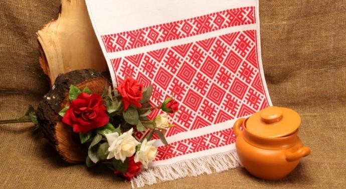 Вишитий український рушник — символ святості, чистоти і захисту