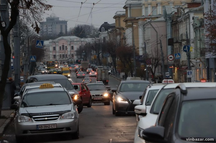 У Вінниці проведуть опитування щодо паркування