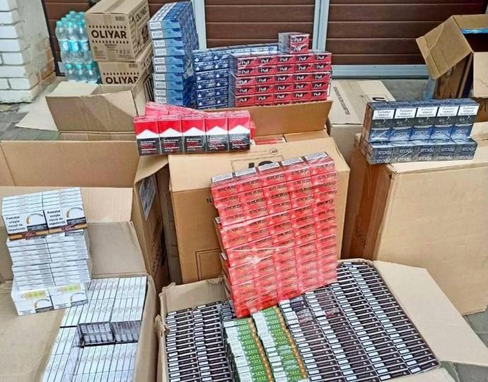 На Вінниччині виявили партію нелегального алкоголю та цигарок вартістю близько півмільйона гривень (Фото)