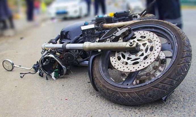 У Хмільнику водій «ВАЗа» не пропустив мотоцикліста. Постраждало двоє людей