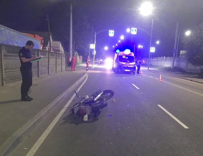 У Вінниці нічна аварія забрала життя мотоцикліста (Фото)