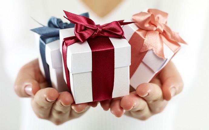 Подарок в картонной упаковке - это не только красиво, но и недорого