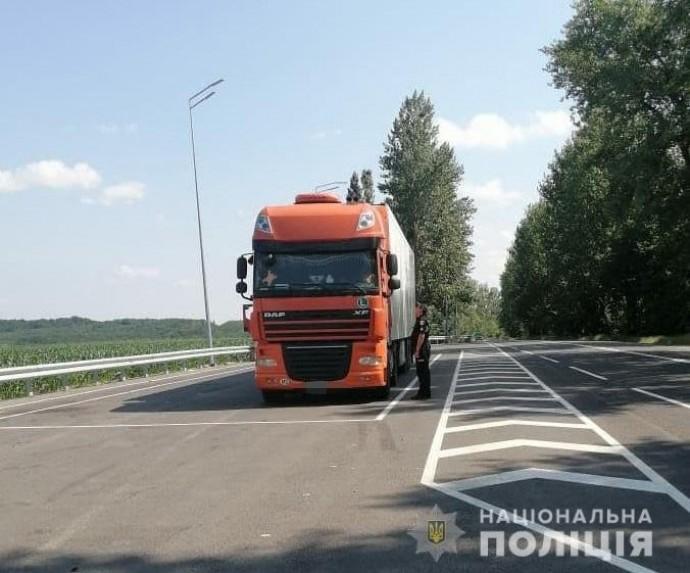 На дорогах Вінниччини посилили контроль за автотранспортом