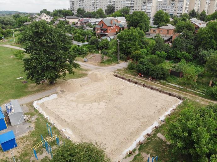 У Вінниці приступили до будівництва майданчика для пляжного волейболу