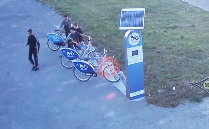 У Вінниці неповнолітні юнаки викрали велосипед «Nextbike»