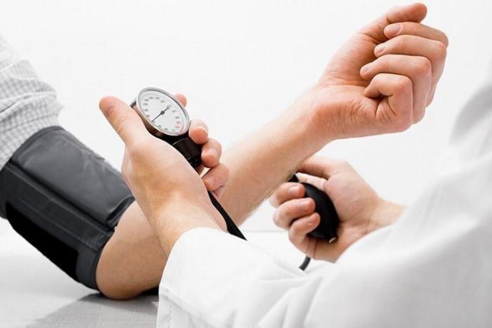 Що впливає на підвищення артеріального тиску влітку?