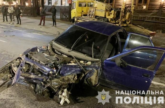 У Вінницькому районі 25-річний водій «ВАЗу» зіткнувся з Subaru. Постраждали двоє людей