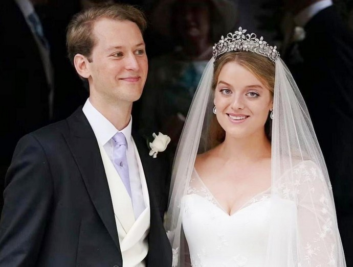 Онука британської принцеси Олександри вийшла заміж