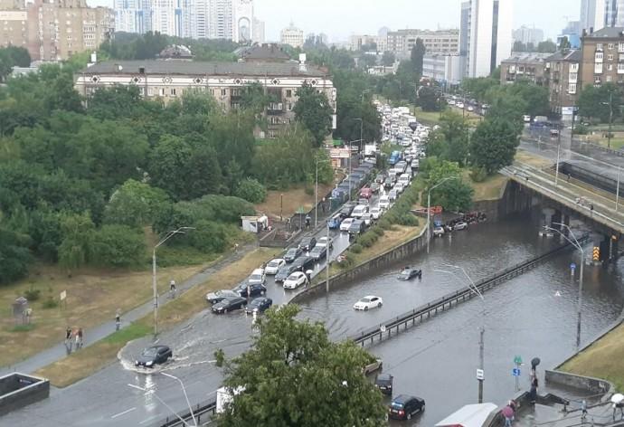 У Києві посилюють безпеку громадського простору