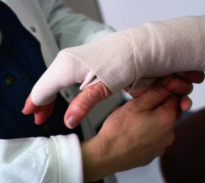 На Прикарпатті до лікарні потрапив чоловік з термічними опіками