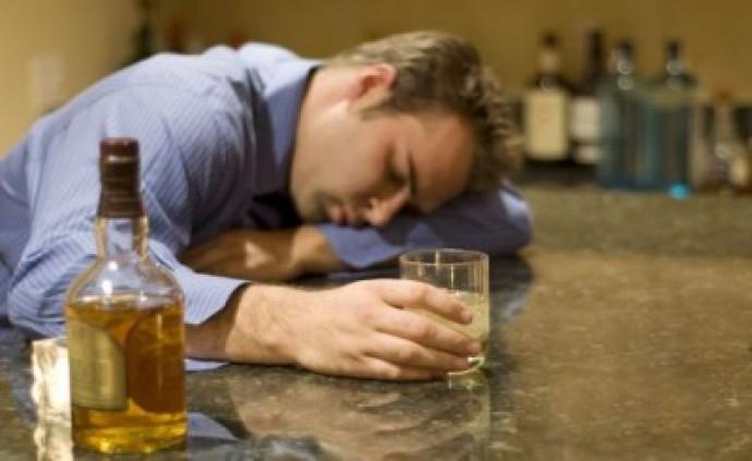 Как выйти из запоя алкогольного