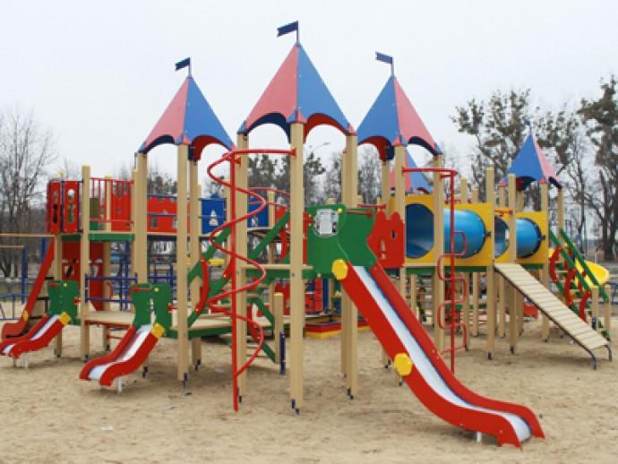 Косівська міськрада отримала 800 тисяч на будівництво дитячого майданчика