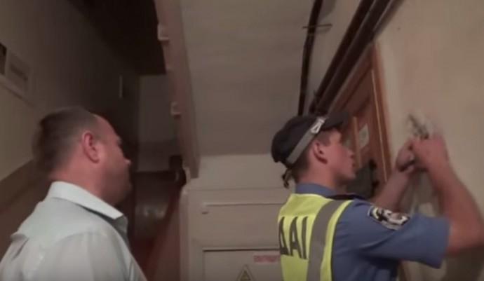 Справу міліціонера, що сів за кермо п'яним, направили до суду (Відео)
