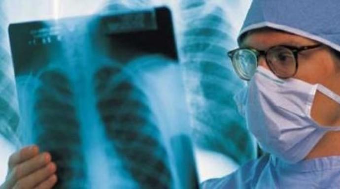 Хворим на туберкульоз пропонують стояти в чергах звичайних лікарень (Відео)