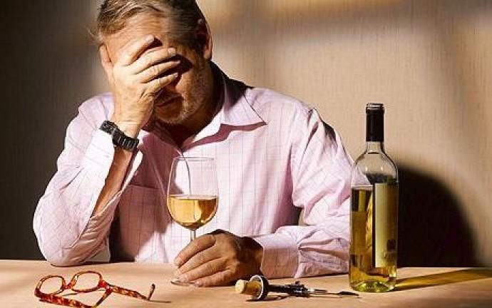 Как остановить от алкоголизма человека