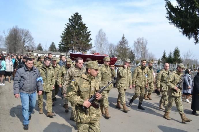 На Вінниччині поховали прапорщика, який загинув під Новотроїцьким (Фото)