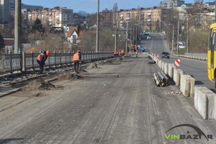 Розширювати проїжджу частину на Київському мості не будуть, хоча в тендері писали інше (Фото+Відео)