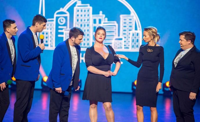 Красуня з найбільшими грудьми в Україні стала частиною команди