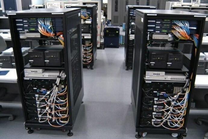 Что такое серверная или телекоммуникационная стойка