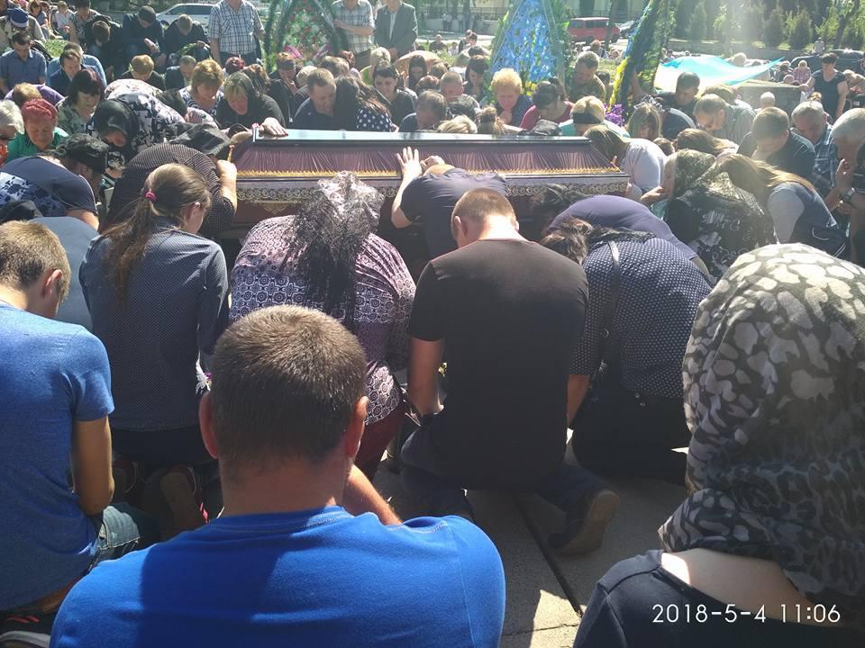 На Вінниччині попрощалися з 19-річним десантником, який загинув під Авдіївкою (Фото)