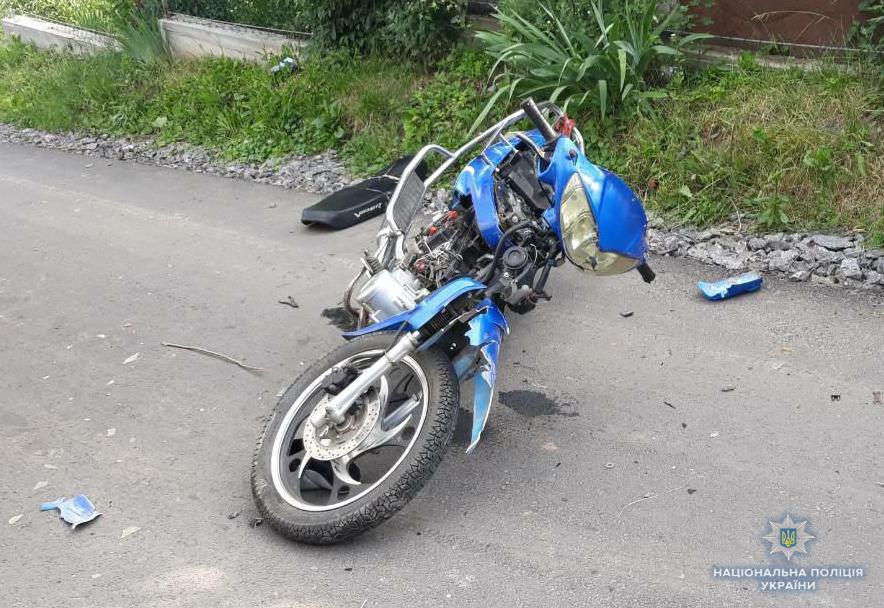 У Жмеринці зіткнулись «УАЗ» та моторолер