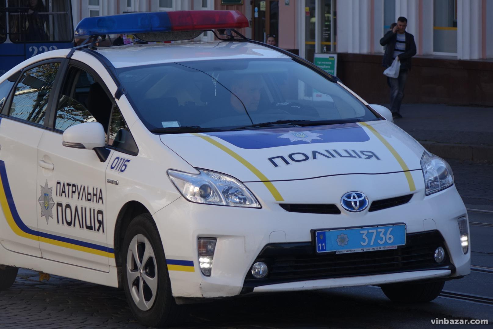 У Вінниці більше сотні реконструкторів та військових влаштували святковий парад (Фото)