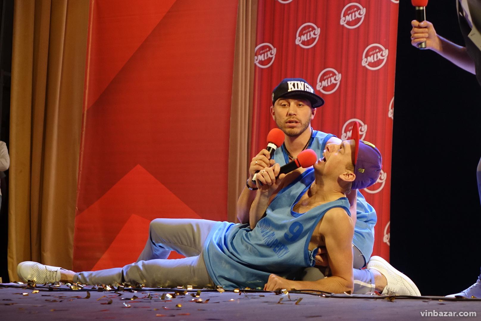Учасники Вінницької регіональної ліги сміху влаштували вечір гумору (Фото)