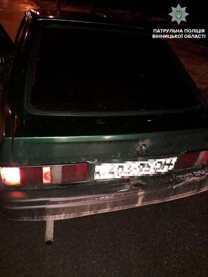 Заснув на світлофорі: у Вінниці затримали водія напідпитку (Фото)
