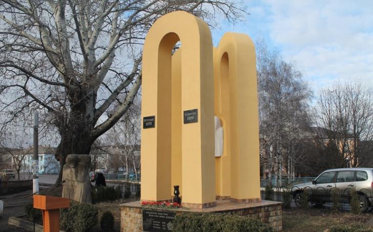 У Ямполі презентували оновлений меморіальний комплекс загиблим воїнам-афганцям (Фото)