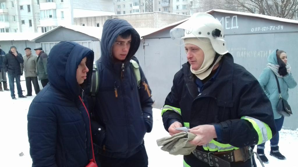 У Вінниці сталася пожежа в дев'ятиповерховому будинку (Фото)