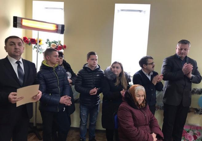 На Вінниччині троє дітей-сиріт отримали ключі від власного житла