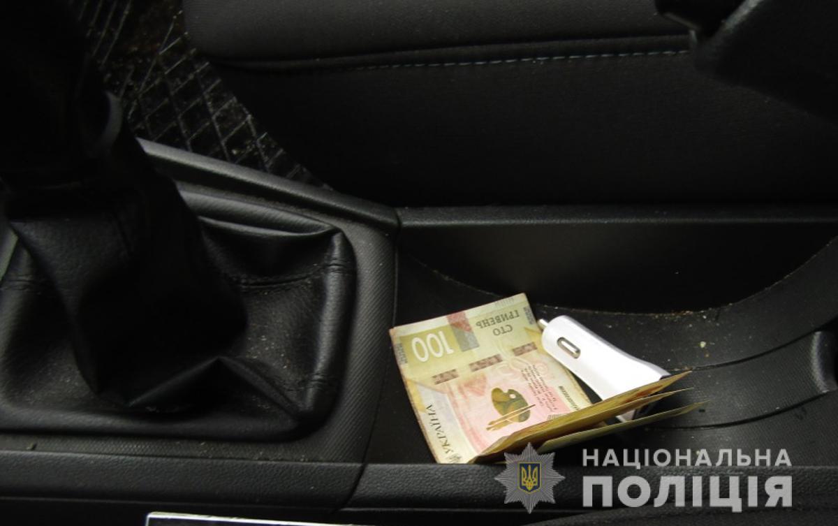 Вінничанин намагався підкупити поліцейських з Житомирської області
