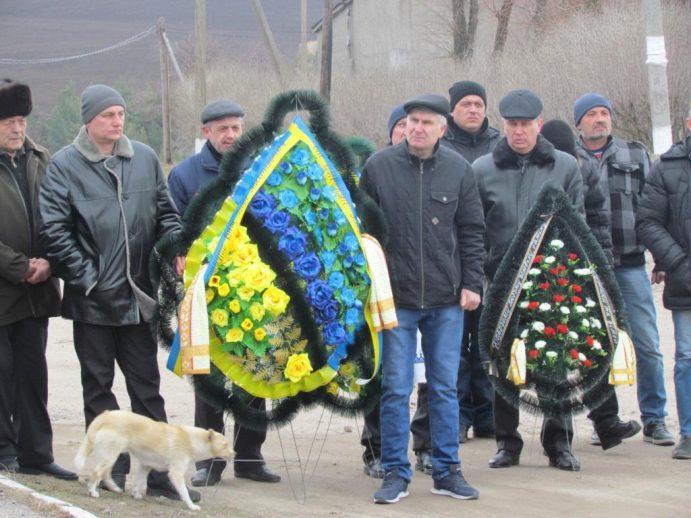 На Вінниччині попрощалися з десантником, який помер у військовому госпіталі (Фото)