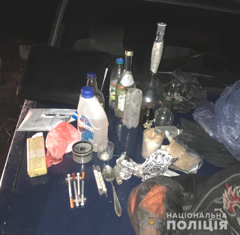 Нарколабораторія у рюкзаку: у Вінниці затримали чоловіка, що продавав наркотики (Фото)