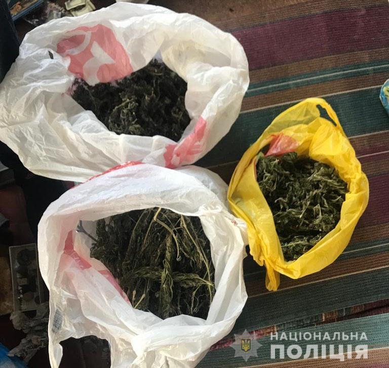 У жителя Писарівки вилучили 23 згортки та 3 пакети з канабісом (Фото)