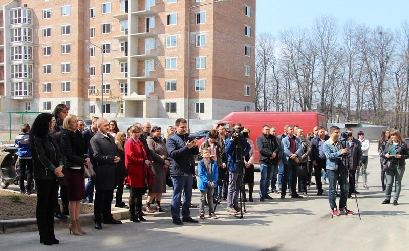У Вінниці дев'ять сімей отримали новенькі квартири за програмою