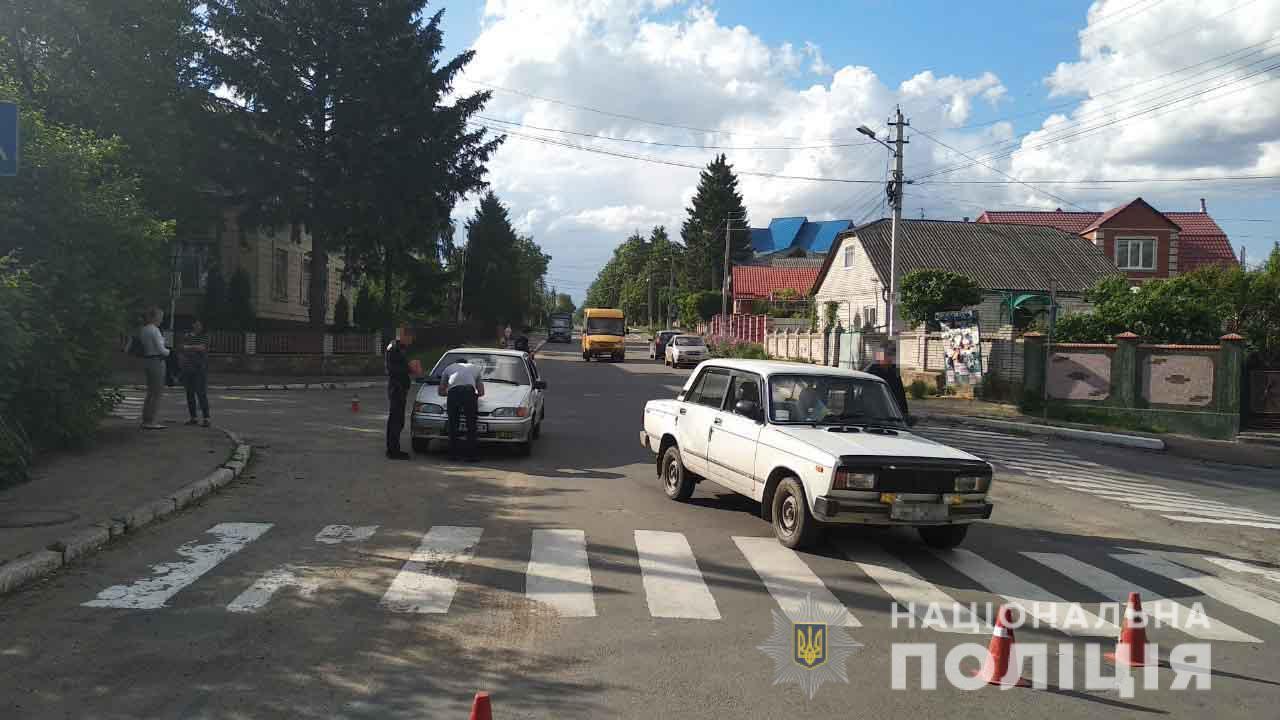 На Вінниччині літня велосипедистка потрапила під колеса ВАЗу (Фото)