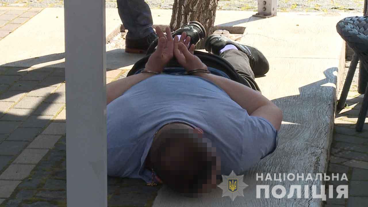 У Вінниці затримали групу рекетирів, які тероризували місцевого фермера (Фото)