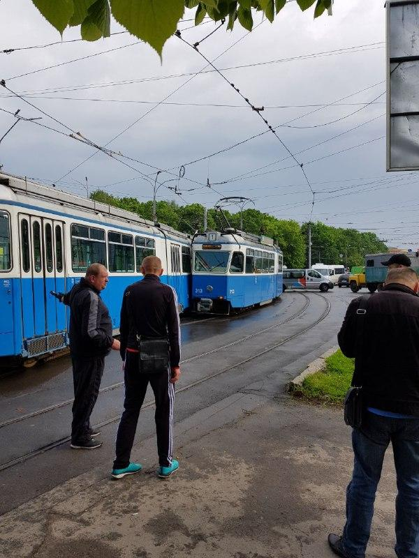 На Урожаї зіштовхнулося два трамваї (Фото)