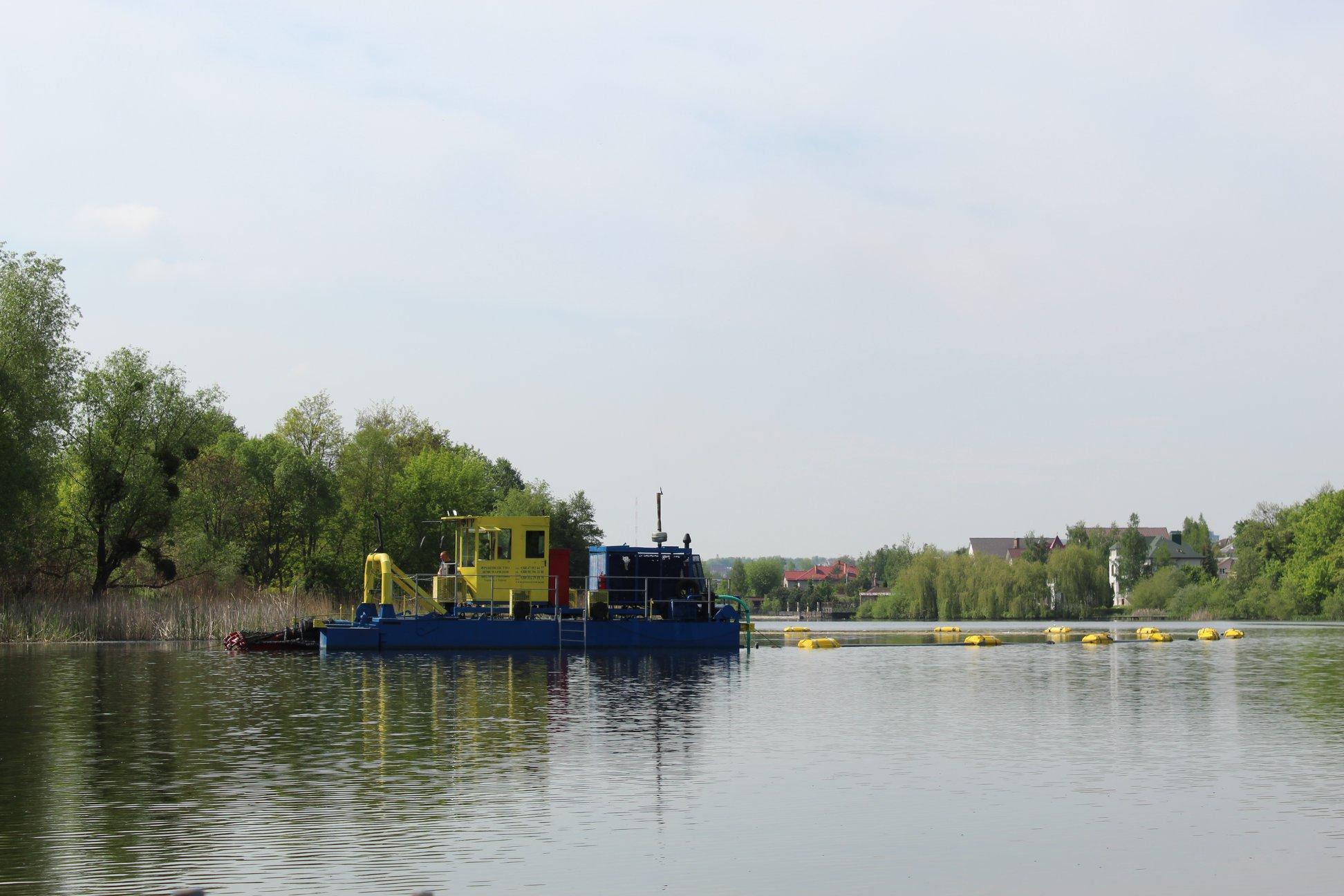 У Вінниці спустили на воду земснаряд вартістю 6 мільйонів гривень (Фото)