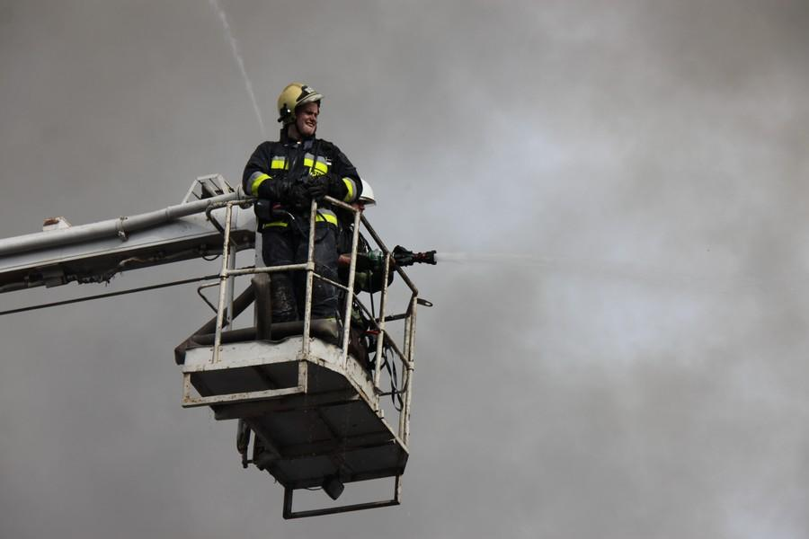 На Вінниччині сталася пожежа на підприємстві з виготовлення олії (Фото+Відео)