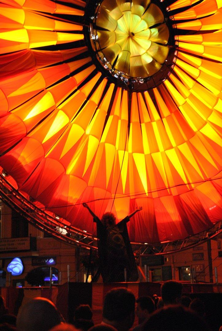 Відомий польський художник створить гігантські світлові інсталяції для Operafest Tulchtn-2019 (Фото)