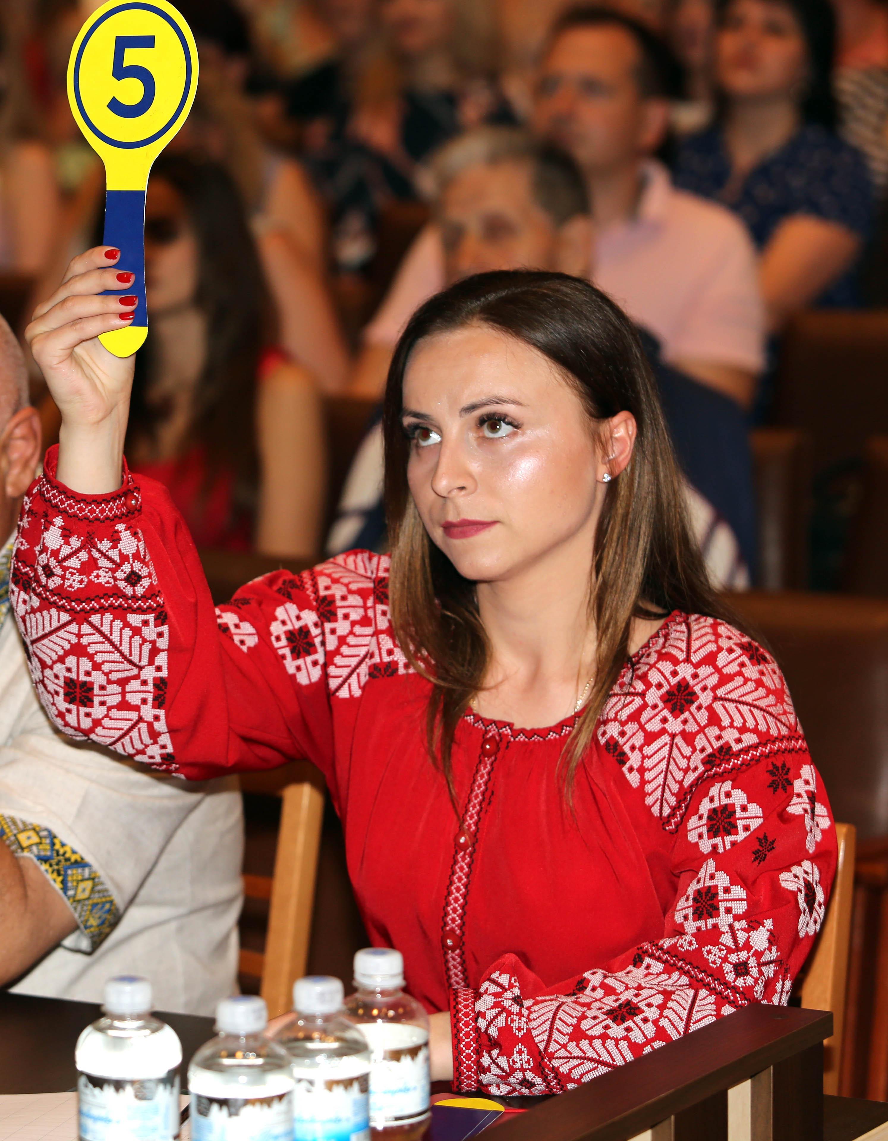 «Берегиня в погонах-2019»: у Вінниці обирали кращих жінок-медиків ЗСУ (Фото)