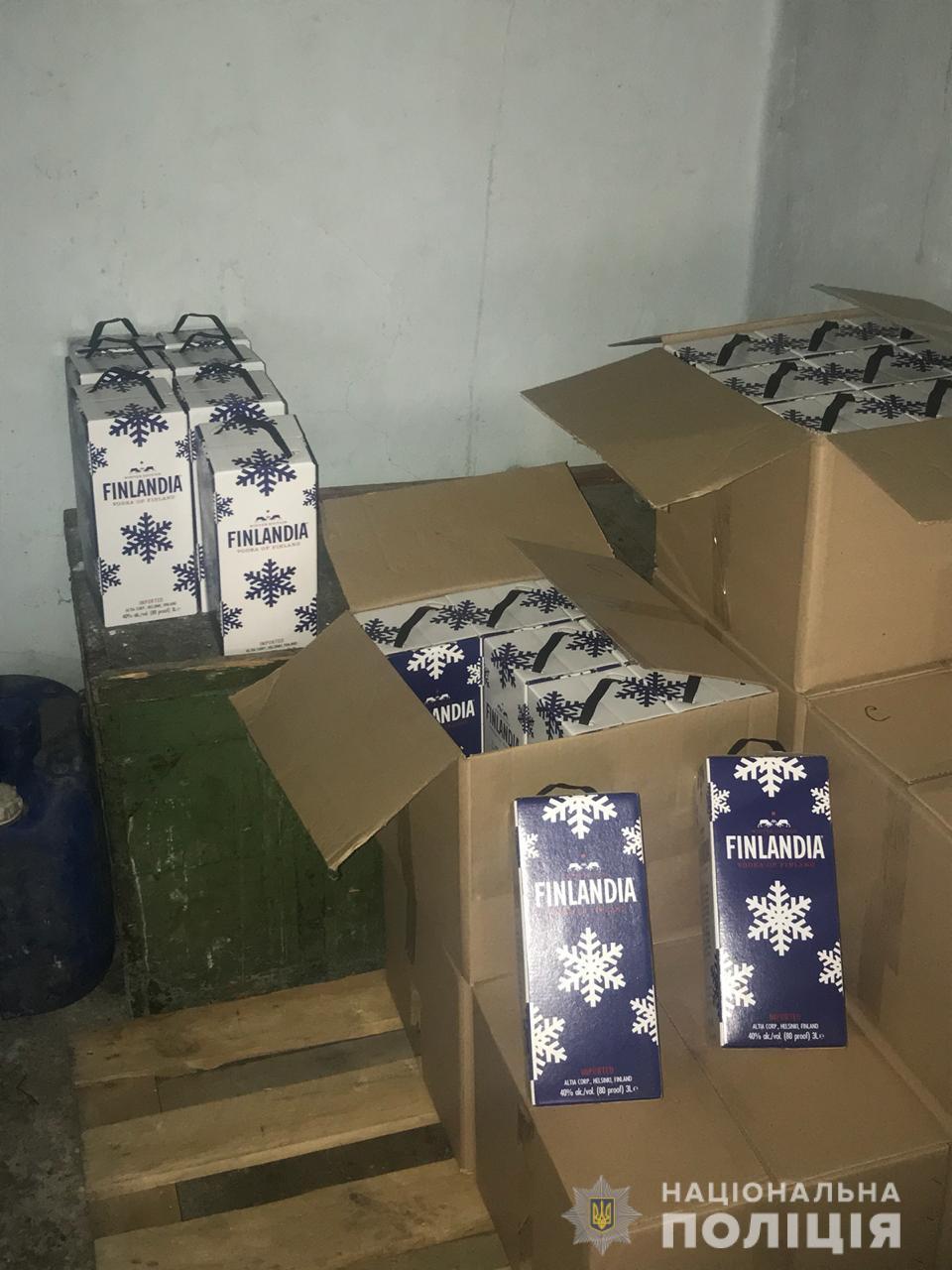 У Могилів-Подільському районі виявили цех з виробництва фальсифікату (Фото)