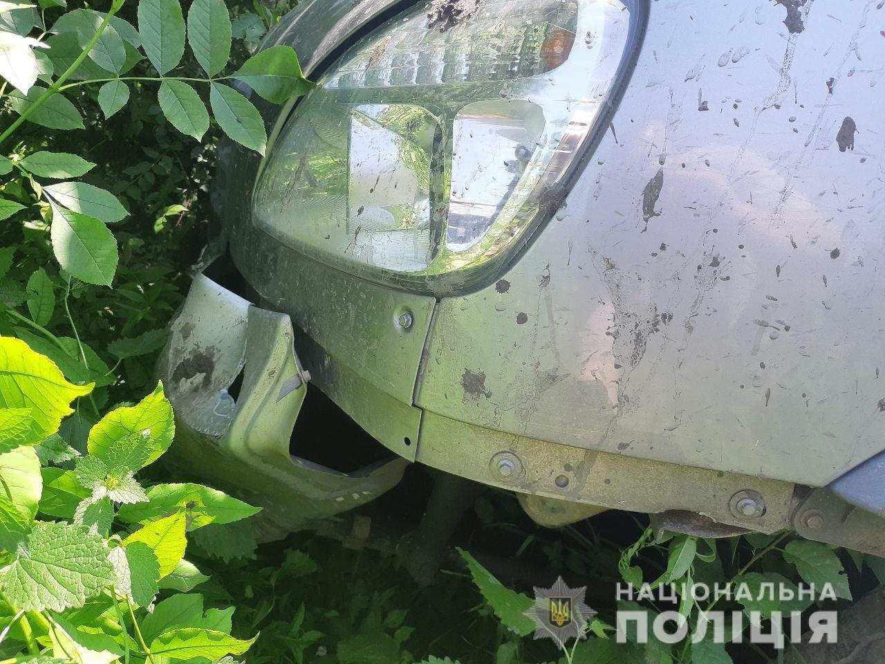 У Ямпільському районі чоловік на мотоблоку зіткнувся з вантажівкою (Фото)