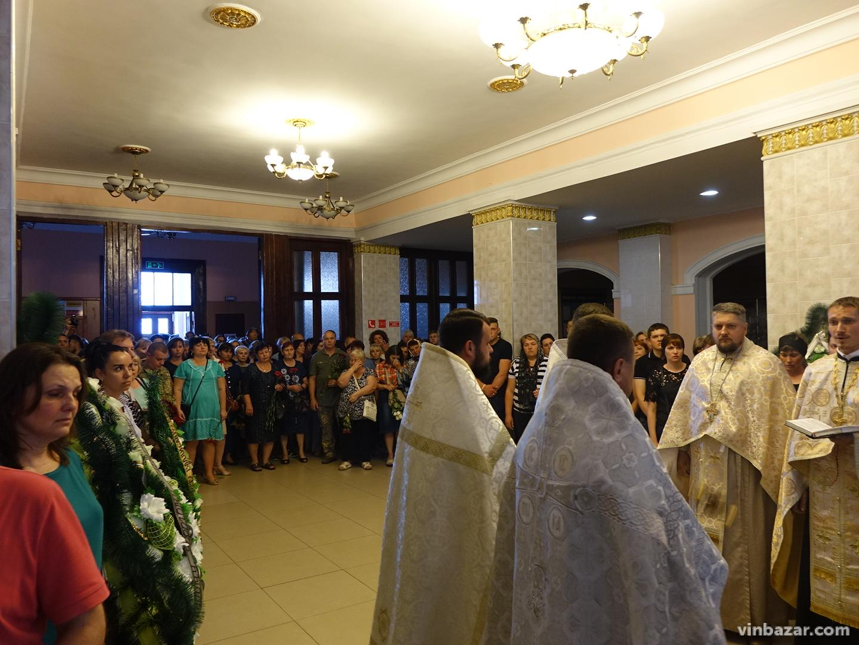 У Вінниці попрощались із загиблим льотчиком Владиславом Попенком (Фото)