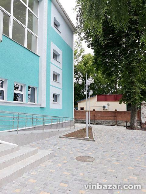 У Жмеринці до Дня міста представлять відремонтований басейн (Фото)