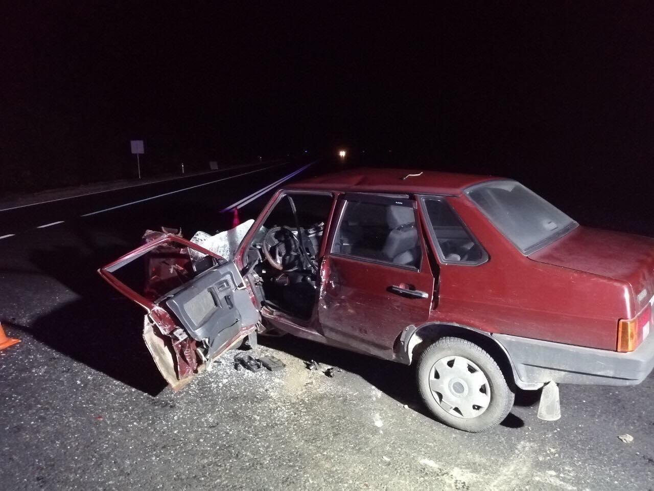 Біля Вороновиці в ДТП загинув водій легковика (Фото)